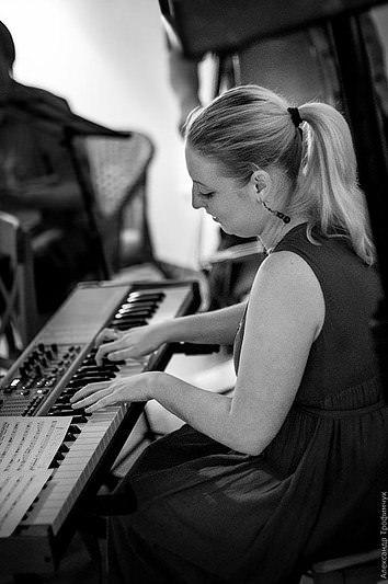 Dina-Sineglazova-band-3