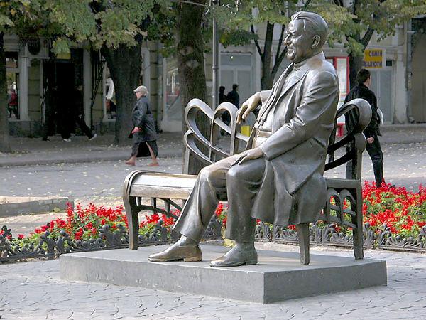Памятники джазовым музыкантам Леонид Утесов JazzPeople