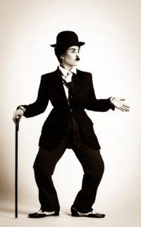 Певица ASETв образе Чарли Чаплина