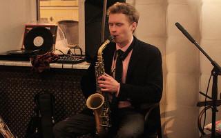 Руслан Васильев салонный джаз в Петербурге